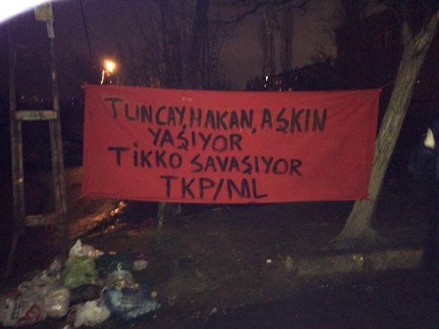 militanlardan-gazi-ve-sarigazide-pankart